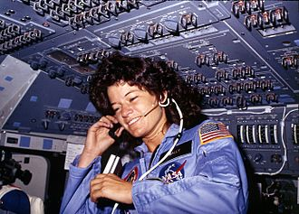 330px-sally_ride2c_america27s_first_woman_astronaut_communitcates_with_ground_controllers_from_the_flight_deck_-_nara_-_541940