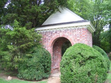 berkeley_plantation2c_shrine_marking_1st_thanksgiving_in_america